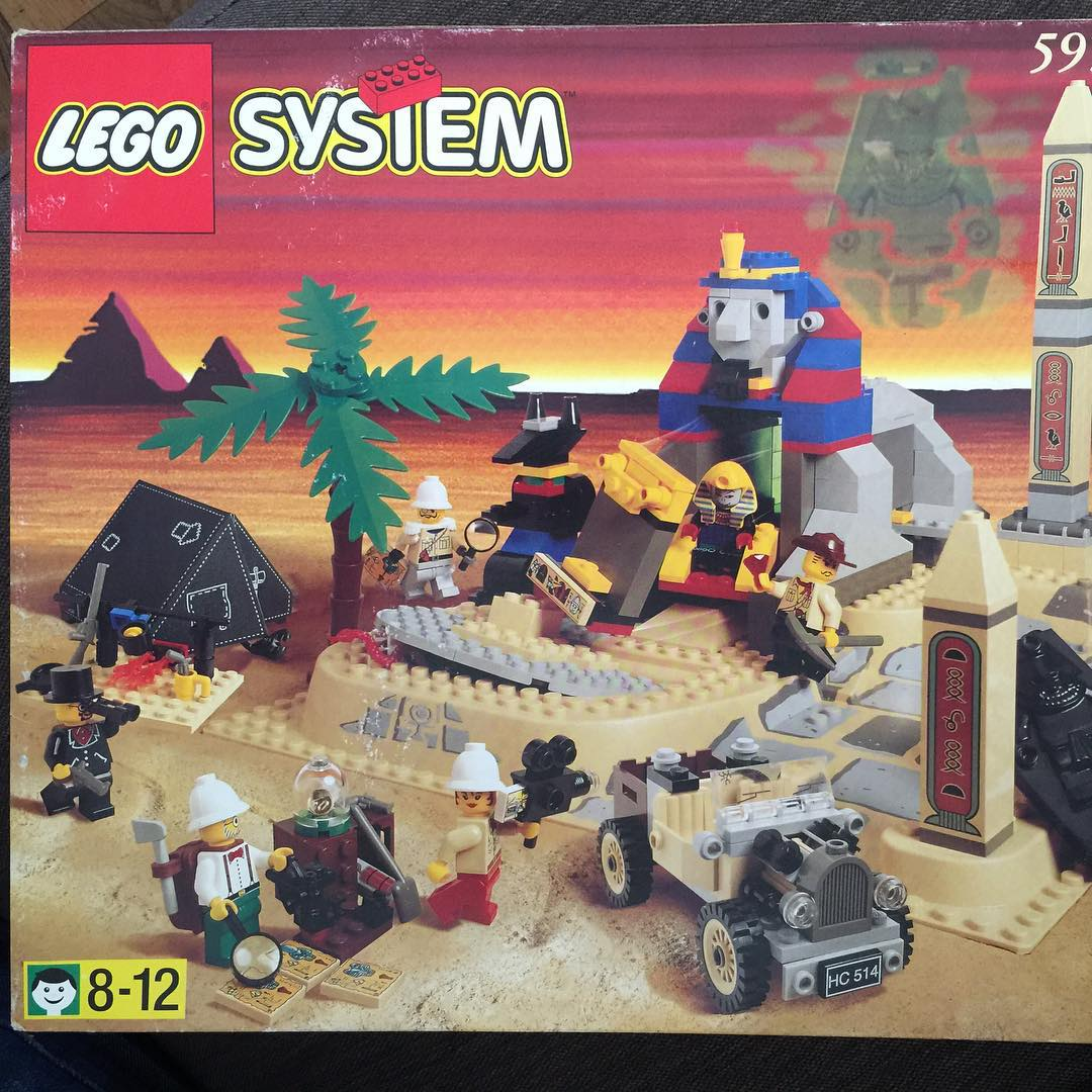 Couldnt resist this vintage Lego set Continue reading rarr