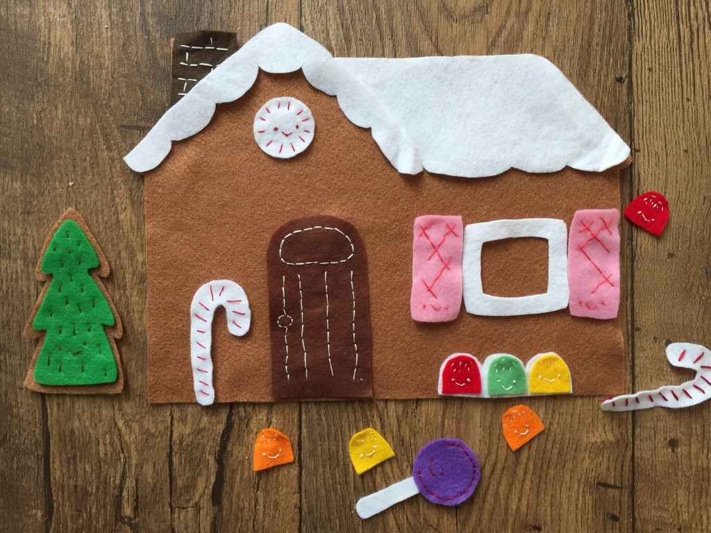 felt gingerbread house - the gingerbread house
