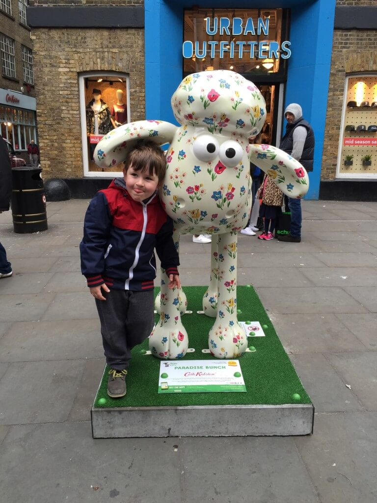 Shaun the Sheep sculpture London
