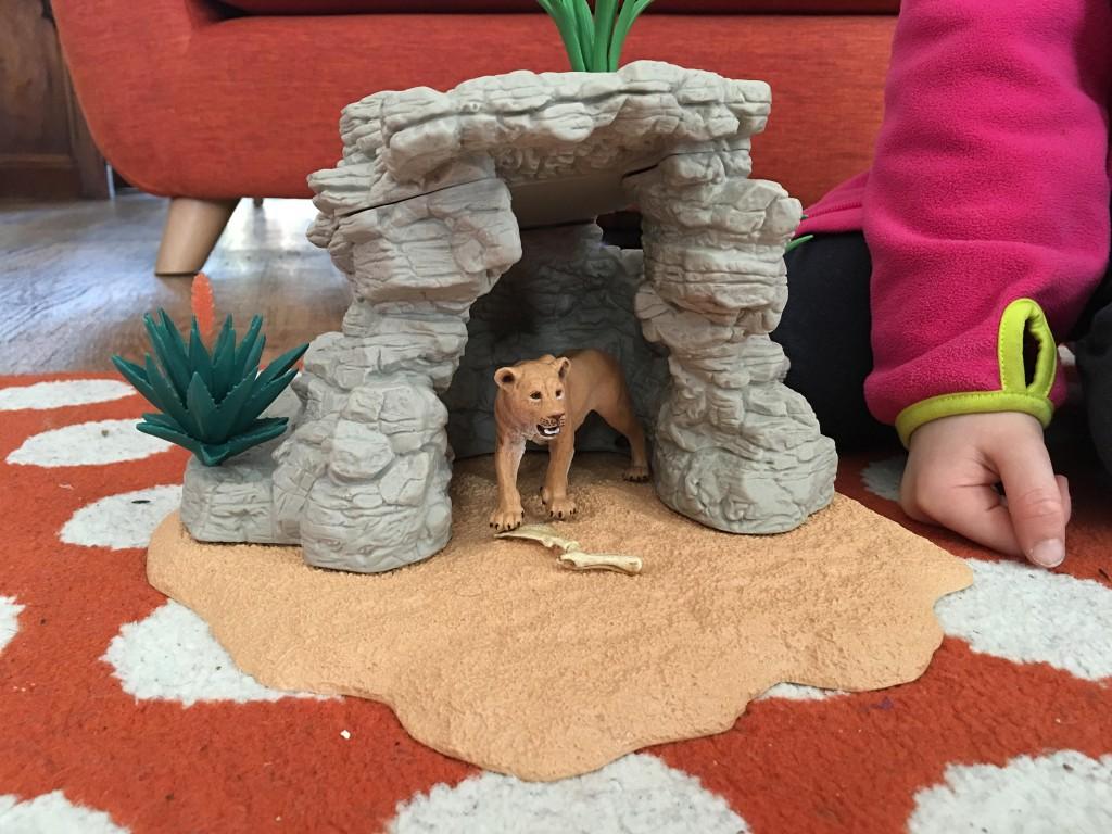 Schleich Lion Cave Set